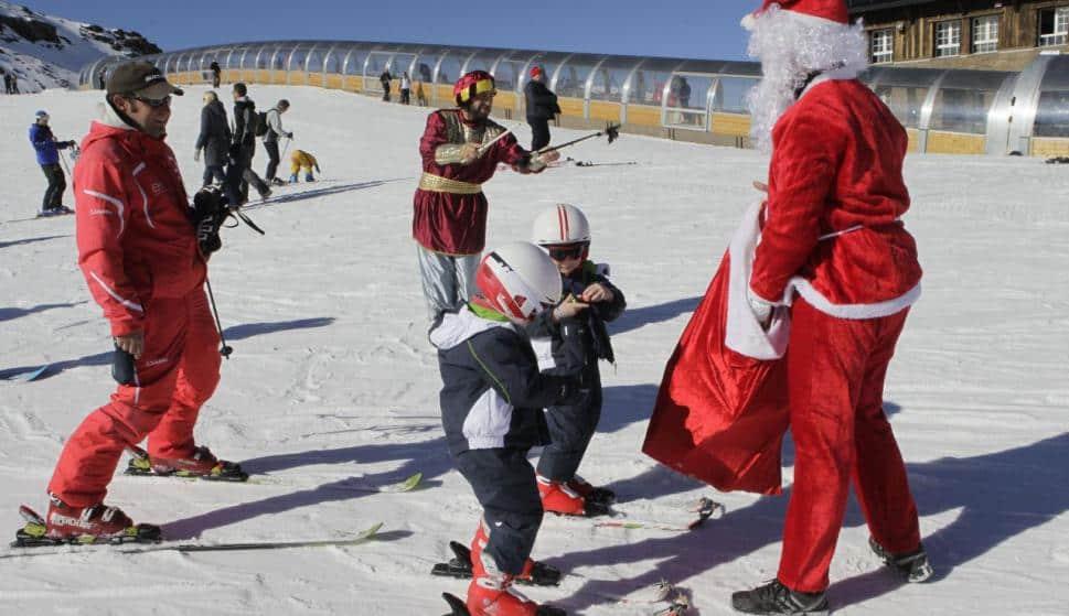 papá noel llega a sierra nevada
